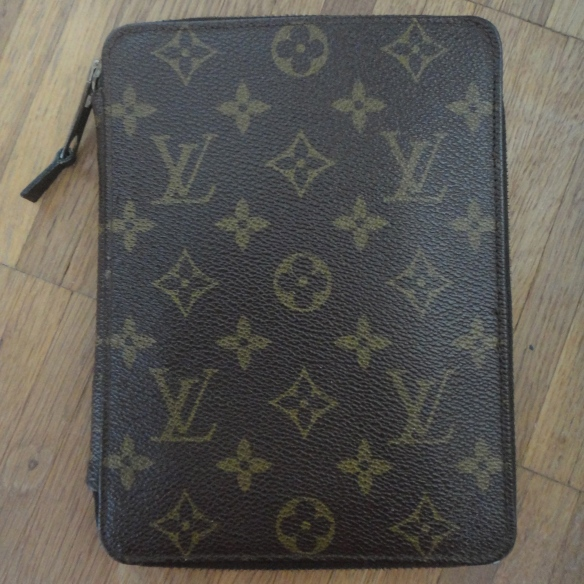 Louis Vuitton Poche Passeport