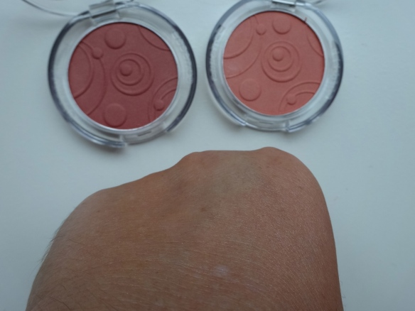 essence silky touch blush