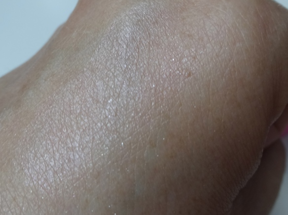 Swatch shimmer pearls