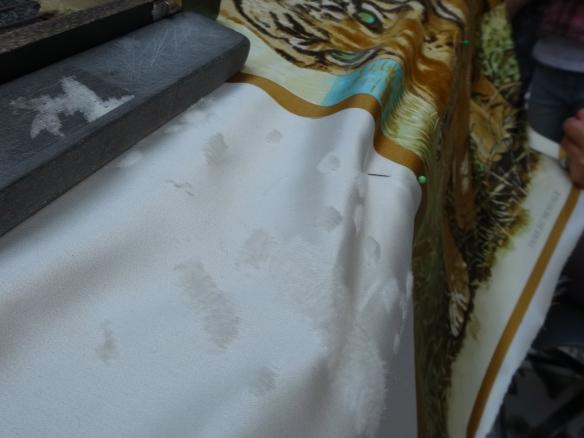 Hermès Sabrage - turning silk into velvet