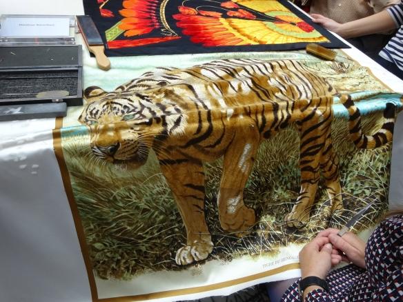 Hermès Sabrage - a tiger coming to life