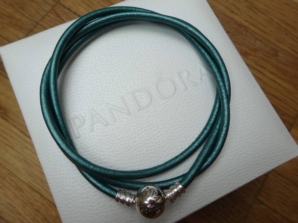 Blog Birthday Pandora wrap bracelet giveaway