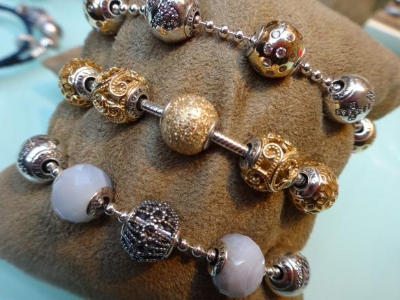 Pandora essence beads und Armbänder
