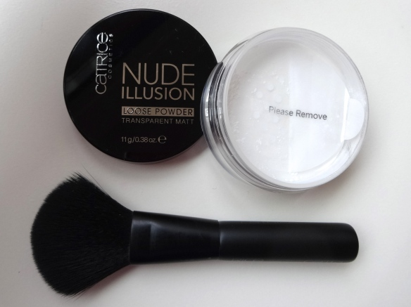 CATRICE Nude Illusion Loose Powder and Brush