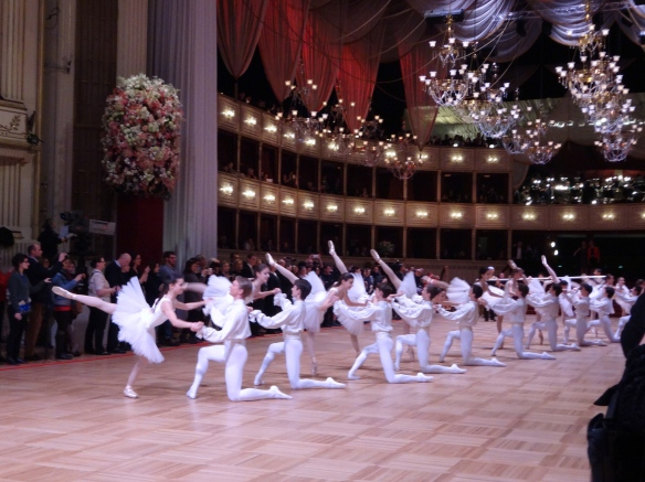 Vienna State Ballet and students of the Ballet Academy performing (rehearsal)