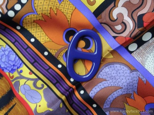 MaiTai lacquered scarf ring, purple Hermès La Femme aux Semelles de Vent scarf