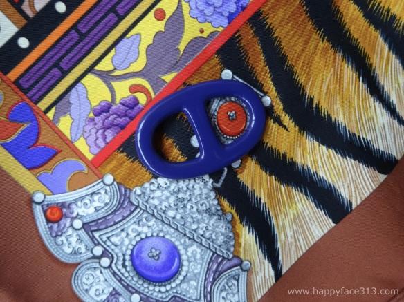 MaiTai Collection Tuchring in lila / Hermès La Femme aux Semelles de Vent Tuch